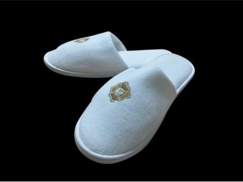 รองเท้าสลิปเปอร์พร้อมโลโก้ Slipper-Logo-1