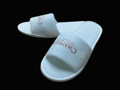 รองเท้าสลิปเปอร์พร้อมโลโก้ Slipper-Logo-3