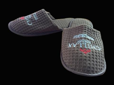 รองเท้าสลิปเปอร์พร้อมโลโก้ Slipper-Logo-5